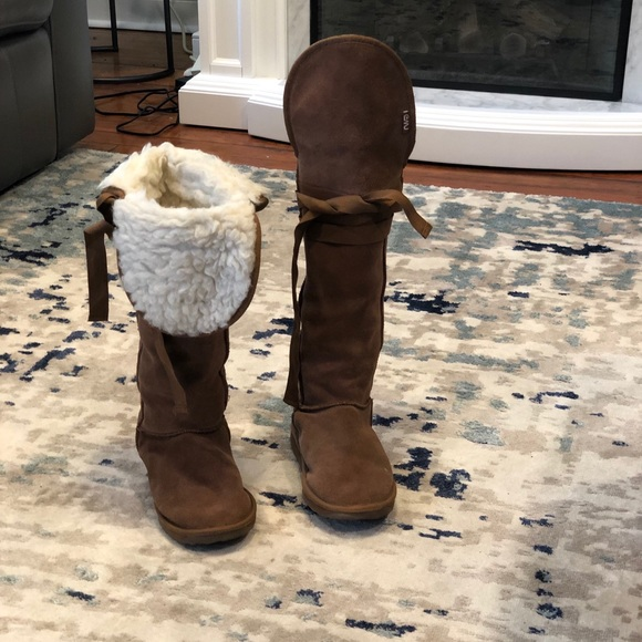 Emu Shoes | Tan Colored Over The Knee